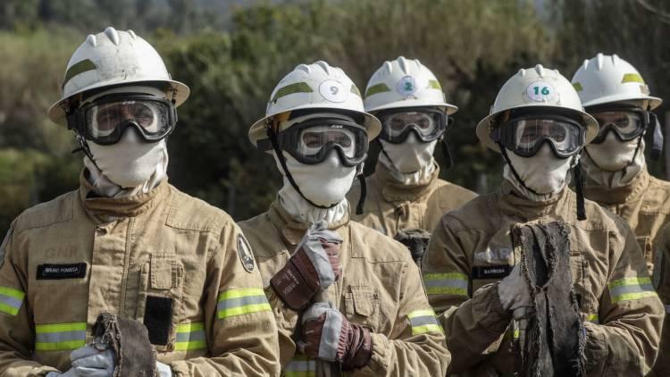 6 incêndios consumiram 25 hectares durante o fim de semana no distrito de Évora (c/som)