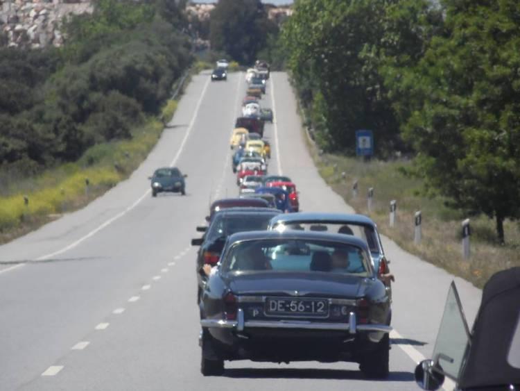 Automóveis clássicos desfilam este domingo por Estremoz