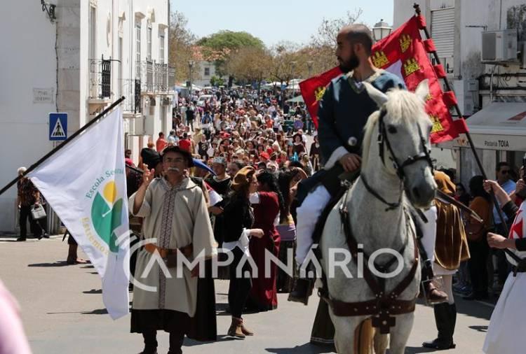 """Festival da Rainha de Estremoz diferencia-se pelo """"ambiente familiar e organização caseira"""", diz vereadora do município (c/som e fotos)"""