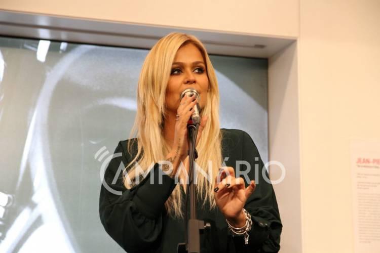 Aurea é madrinha da loja FNAC do Évora Plaza, e falou em Exclusivo à RC na inauguração (c/som)