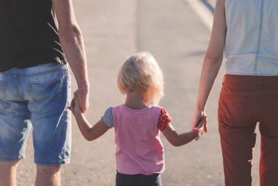 Covid-19: Pais que fiquem com filhos nas vésperas dos feriados terão faltas justificadas mas poderão não ser remunerados