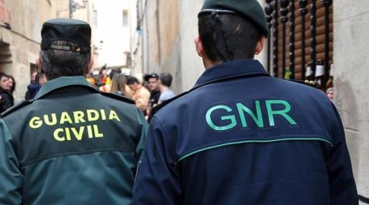Comando da GNR de Évora e Guarda Civil espanhola detetam cidadão colombiano em situação ilegal