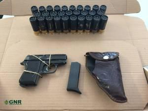 Suspeito de violência doméstica detido com arma de fogo em Ponte de Sor