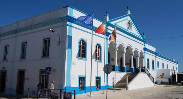 Município de Reguengos de Monsaraz deixa lista de incumpridores da lei dos compromissos