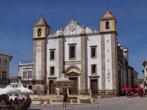 Restauro devolve cores originais a Igreja de Santo Antão, em Évora