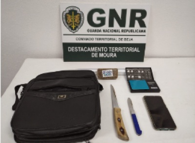 Serpa: GNR detém mulher de 40 anos por tráfico de estupefacientes com 193 doses de haxixe