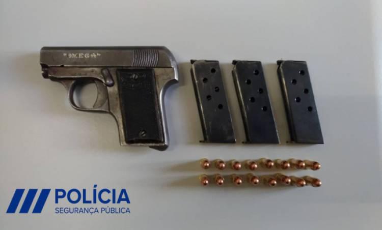 Mulher de 44 anos detida depois de disparar arma de fogo em zona residencial de Elvas