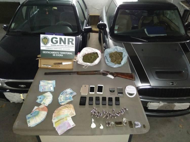 GNR apreende cerca de 2000 doses de droga e termina com rede de tráfico no distrito Évora