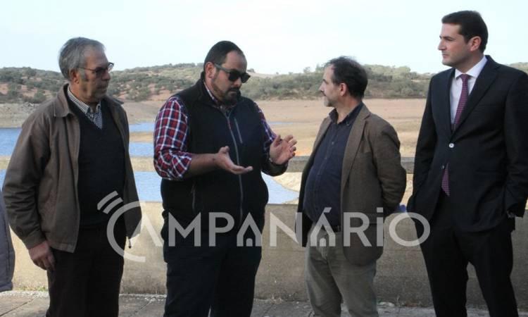 """PSD quer """"investimento estrutural"""" para captar e distribuir água no Alentejo, diz líder parlamentar (c/som)"""