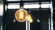 Não haverá aumento do preço da eletricidade para os consumidores domésticos em 2022, afirma Matos Fernandes