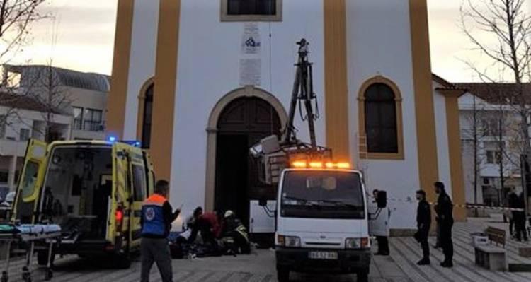 Dois trabalhadores feridos com gravidade quando instalavam iluminação de natal em Ponte de Sor