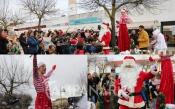 O mundo encantado do Natal em Vila Viçosa, com o abraço de centenas de crianças ao Pai Natal (c/fotos)