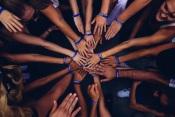 """COVID-19: IPDJ lança programa """"Apoio Maior"""" de voluntariado jovem"""