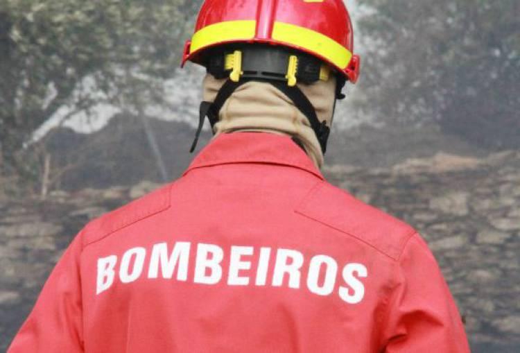 Incêndio deflagrou ao início da noite de segunda-feira em Estremoz