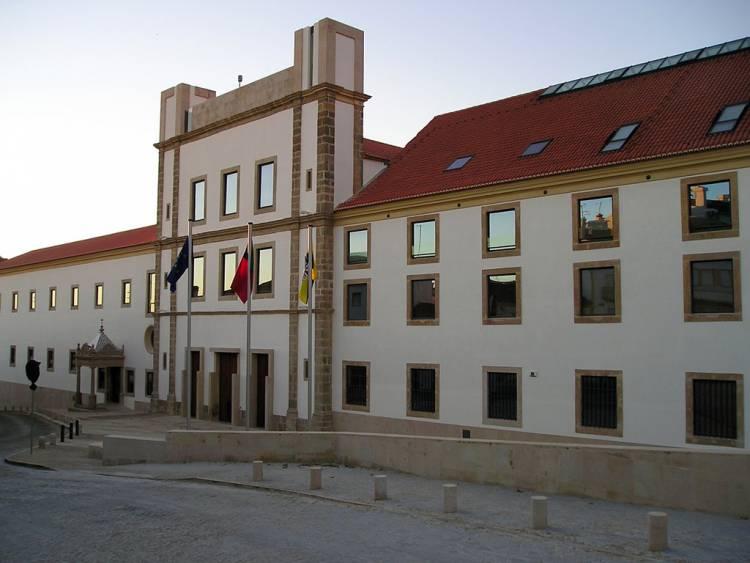 Suposta falta de segurança na Piscina Municipal da Quinta da Saúde leva a perda de pelouro e de confiança politica, de vereador em Portalegre
