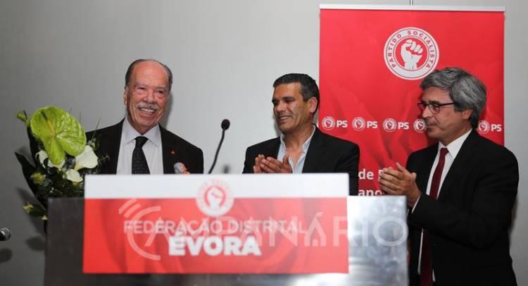 """Quando o PS está no Governo, """"o Alentejo cresce e segue em frente"""", afirma Norberto Patinho no 45º aniversário dos socialistas (c/som e fotos)"""
