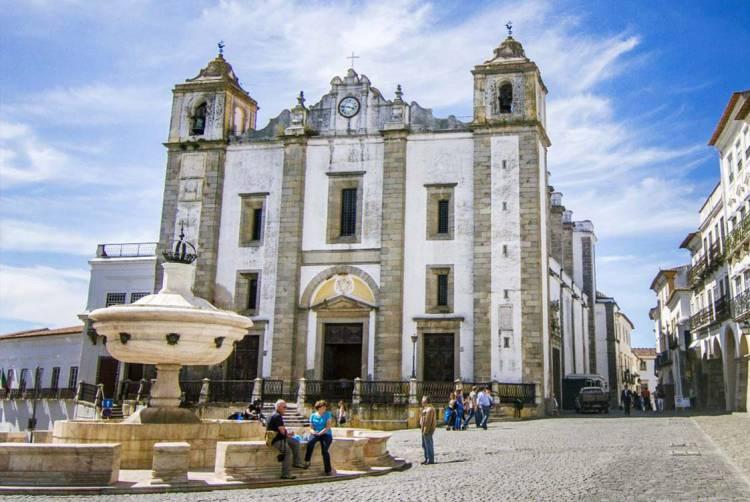 Hoteleiros de Évora contra aplicação de taxa turística no concelho