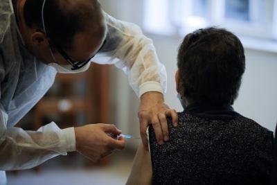 Surtos em lares impedem a vacinação de 30 mil idosos, distrito de Évora preocupa Vice-presidente da União das Misericórdias