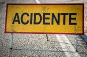 Dois feridos leves em colisão entre dois ligeiros em Beringel