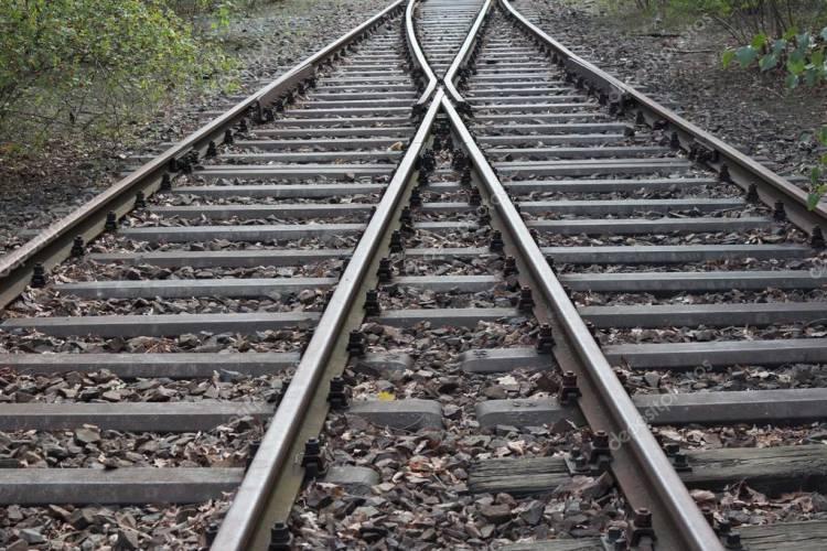 Avarias e material imobilizado nas oficinas tira 5 comboios por dia dos carris no Alentejo