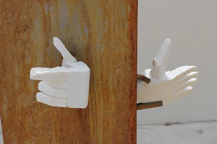 """Monsaraz recebe exposição de escultura """"Mãos que falam"""""""