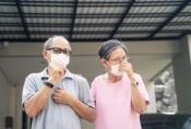 Governo avalia a dispensa do uso de máscara em pessoas vacinadas.