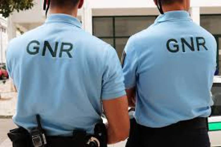 GNR deteve indivíduo em Redondo por condução sem habilitação legal (c/som)
