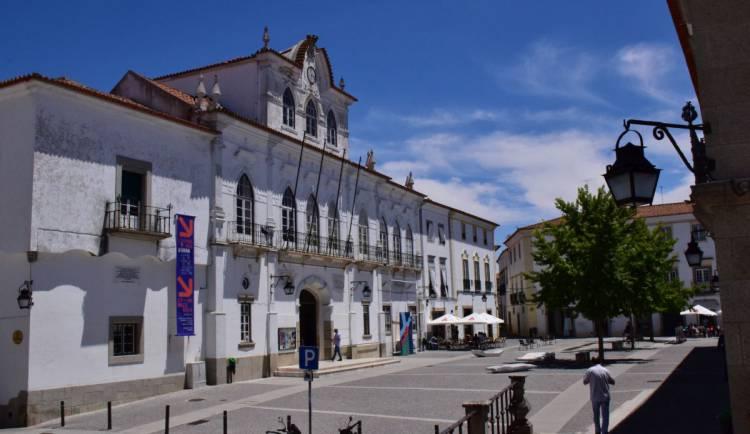 Câmara de Évora aprovou concurso para reabilitação de poços e nascentes do Aqueduto