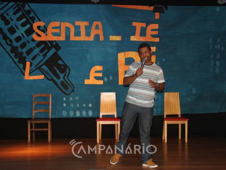 """""""Senta-te e Ri"""" trouxe stand-up comedy à Aldeia Social em Borba (c/som e fotos)"""