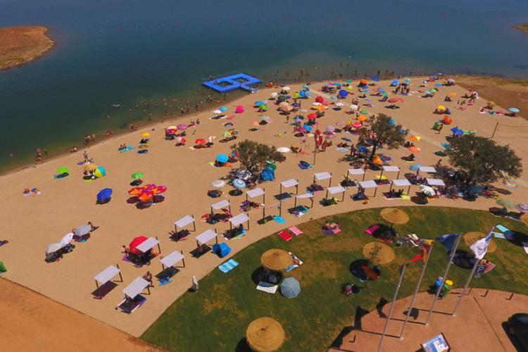 Praia fluvial de Monsaraz: um Óasis no coração do Alentejo