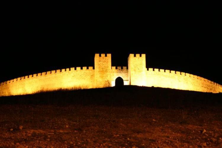 """""""Às 5.ªs feiras no Castelo"""" em Arraiolos inicia com """"Guitarras ao Alto"""""""