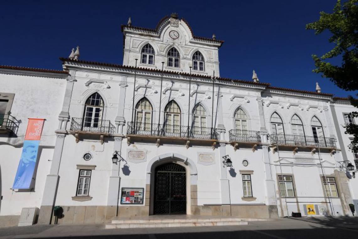 """Resultado de imagem para Câmara Municipal de Évora assina contrato para implementação do """"Laboratório Vivo para a Descarbonização"""""""