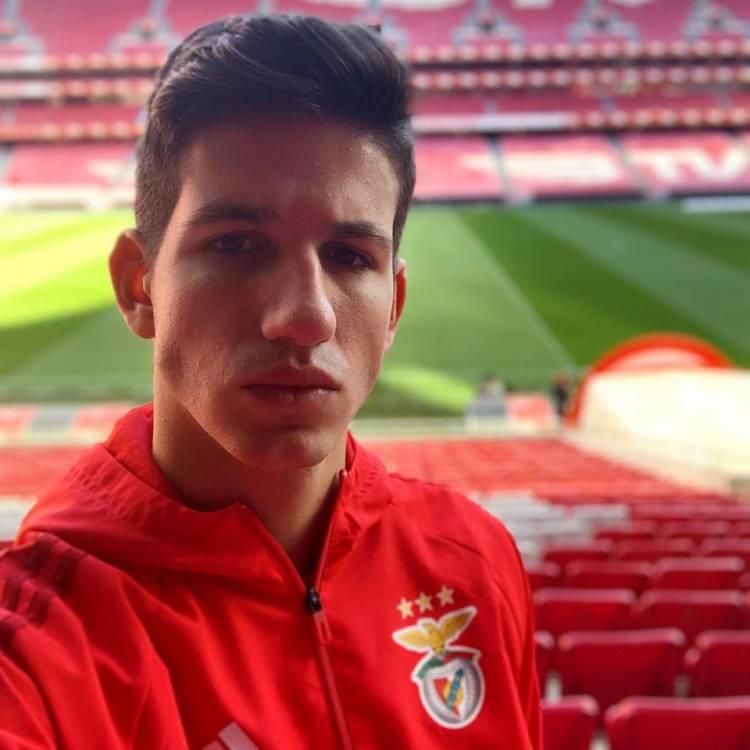 Entrevista a João Geadas atleta do Benfica natural de Rio de Moinhos (c/som)