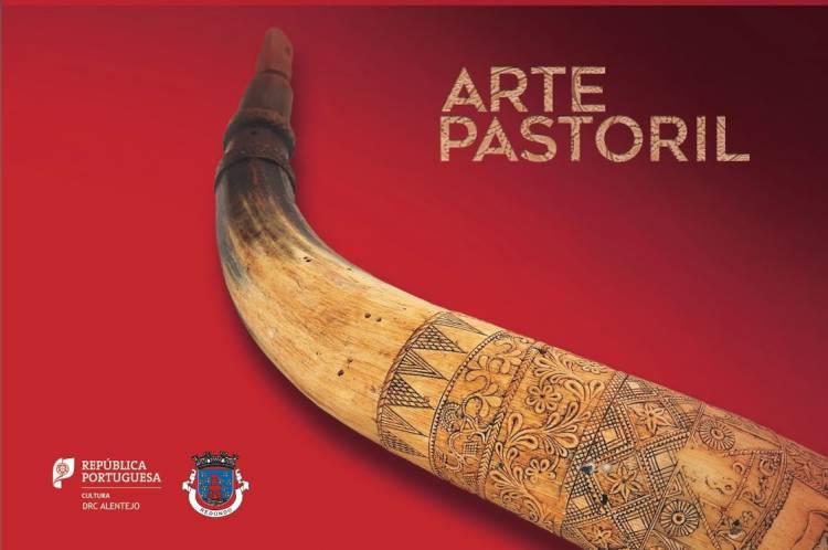 Arte Pastoril - com uma simples navalha de António Carmelo Aires em exposição em Évora