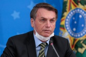 Bolsonaro testa positivo à Covid-19