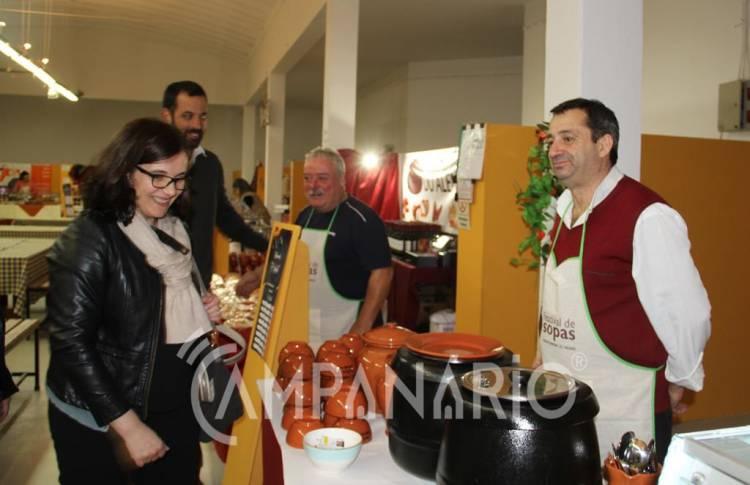 """Festival de Sopas de Montemor-o-Novo """"tem vindo a crescer e a consolidar-se ao longo dos anos"""", diz autarca (c/som e fotos)"""
