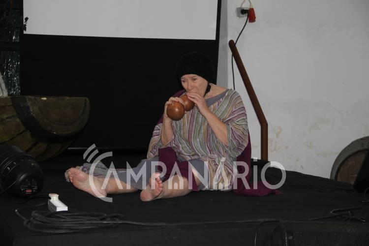 """Sovibor acolheu """"O Pranto de Maria Parda"""" com encenação de Maria do Céu Guerra (c/som e fotos)"""