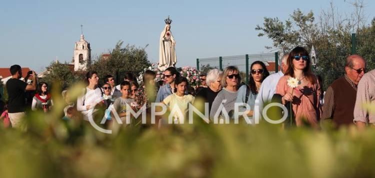 Borba: Aldeia Social voltou a realizar Procissão das Velas para assinalar o mês de Maria, um ato religioso aguardado com ansiedade pelos utentes (c/som e fotos)