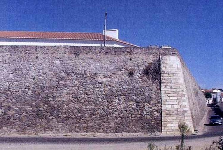 Município de Moura restaura Muralhas Modernas da Cidade