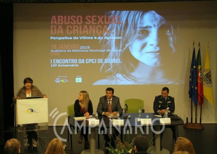"""CPCJ Sousel promoveu encontro sobre «Abuso sexual da criança». """"Desde que tomámos posse ainda não tivemos nenhum caso"""", diz pres. (c/som e fotos)"""