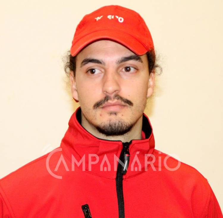 João Teodósio recebe divisas e integra oficialmente corpo de bombeiros da Associação Humanitária de Vila Viçosa (c/som)