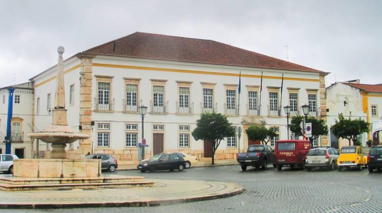 Esta  terça-feira haverá Assembleia Municipal de Vila Viçosa em direto na Rádio Campanário