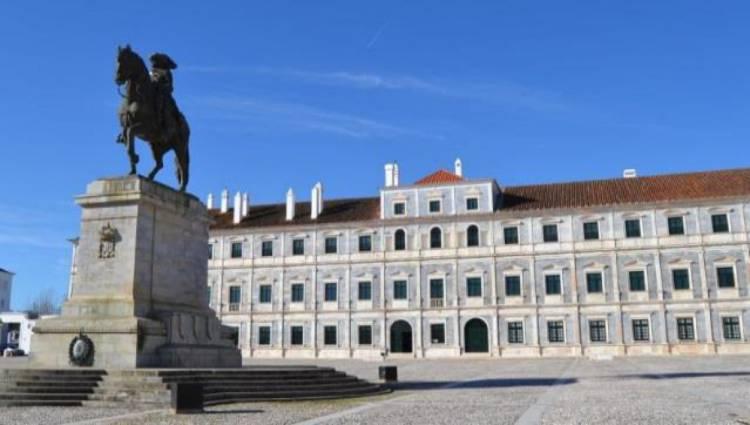 Fundação da Casa de Bragança prepara investimento de milhões em acessibilidade e estacionamento no Paço Ducal (c/som)