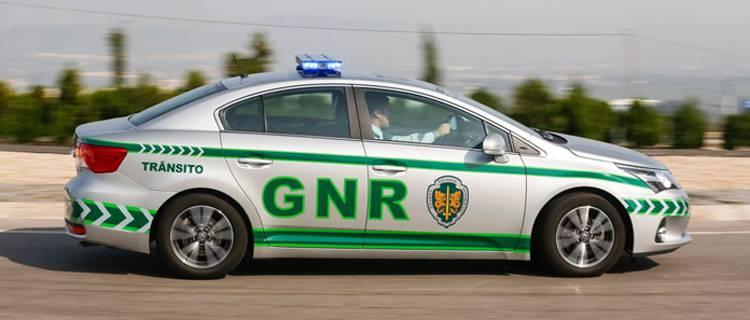 GNR registou 5 acidentes de viação e 49 infrações rodoviárias, no distrito de Évora (c/som)