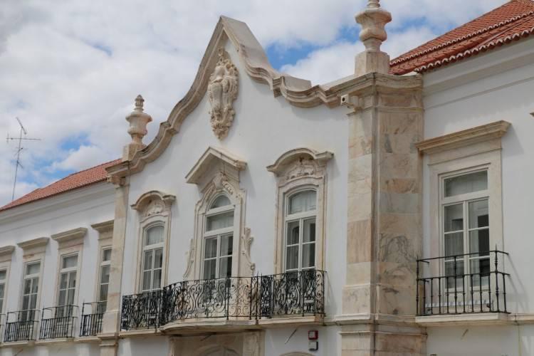 Estremoz: Palácio dos Marqueses da Praia e Monforte recebe apresentação do livro de Liliana Pilha
