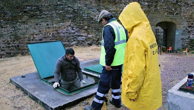Câmara de Mourão procedeu à higienização de reservatórios de água potável que abastecem a população do concelho.