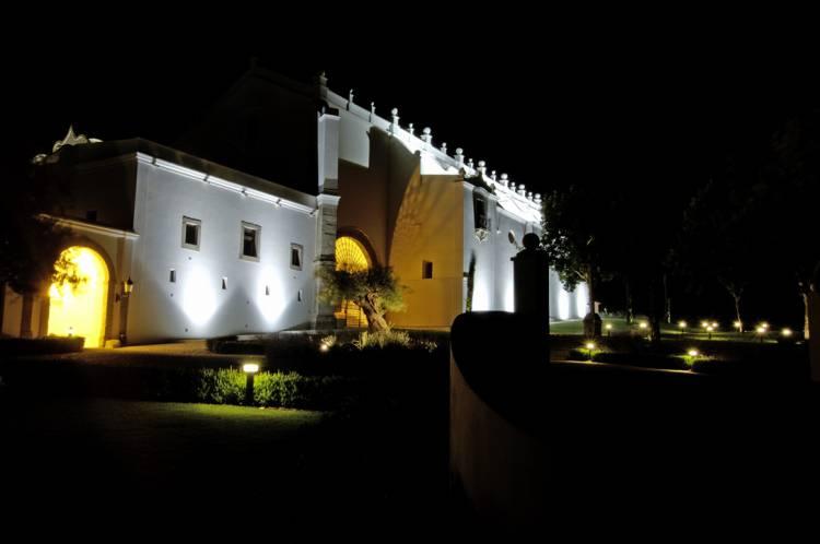 Portas do Convento do Espinheiro abrem-se à população