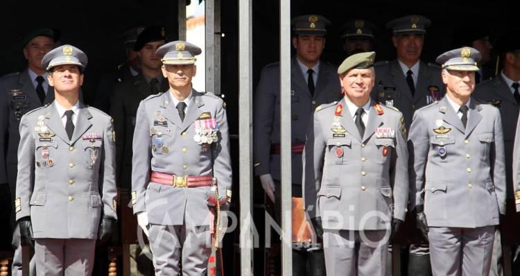 """Novo Comandante do RC3 quer cimentar """"os laços entre a população civil e a população militar deste quartel"""" (c/som e fotos)"""
