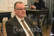 """""""Os estremocenses estão a acatar as ordens da DGS, mas com os novos casos no Alentejo estamos sempre à espera de uma má notícia"""" diz presidente de Estremoz (c/som)"""