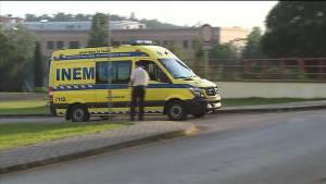 Automóvel colidiu com ciclistas provocando a morte a homem de 40 anos e outro de 37 anos  ficou ferido com  gravidade.